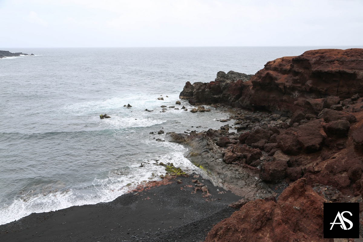 Lanzarote, spiagge, vulcani e paesaggi lunari …