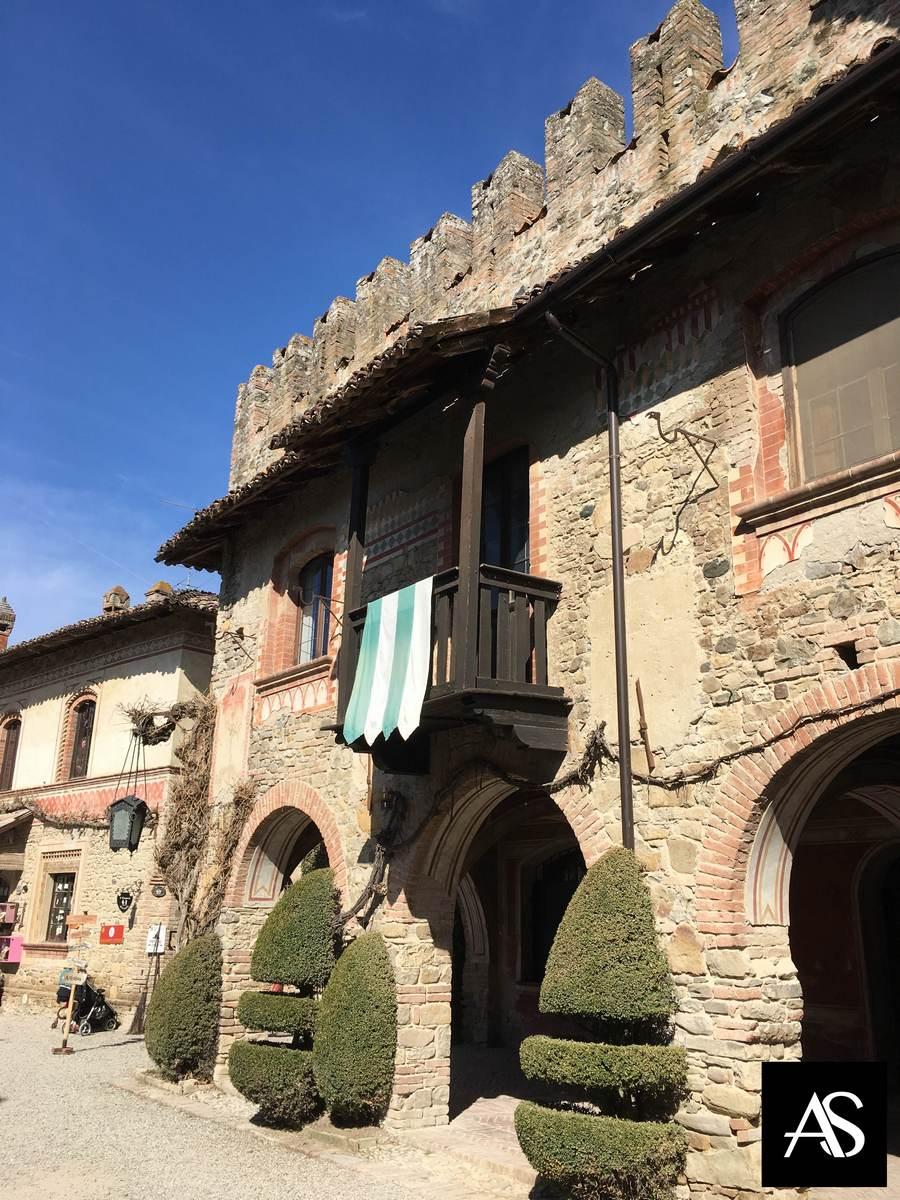 Alla scoperta del borgo Grazzano Visconti