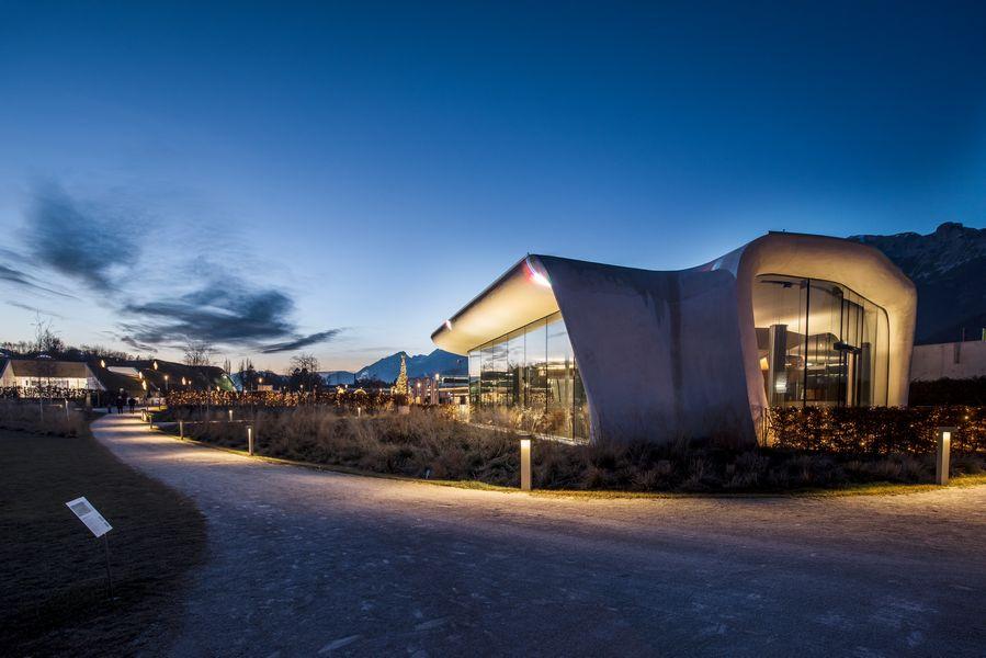 I Mondi di Cristallo Swarovski pronti a illuminare la notte con splendidi effetti di luce